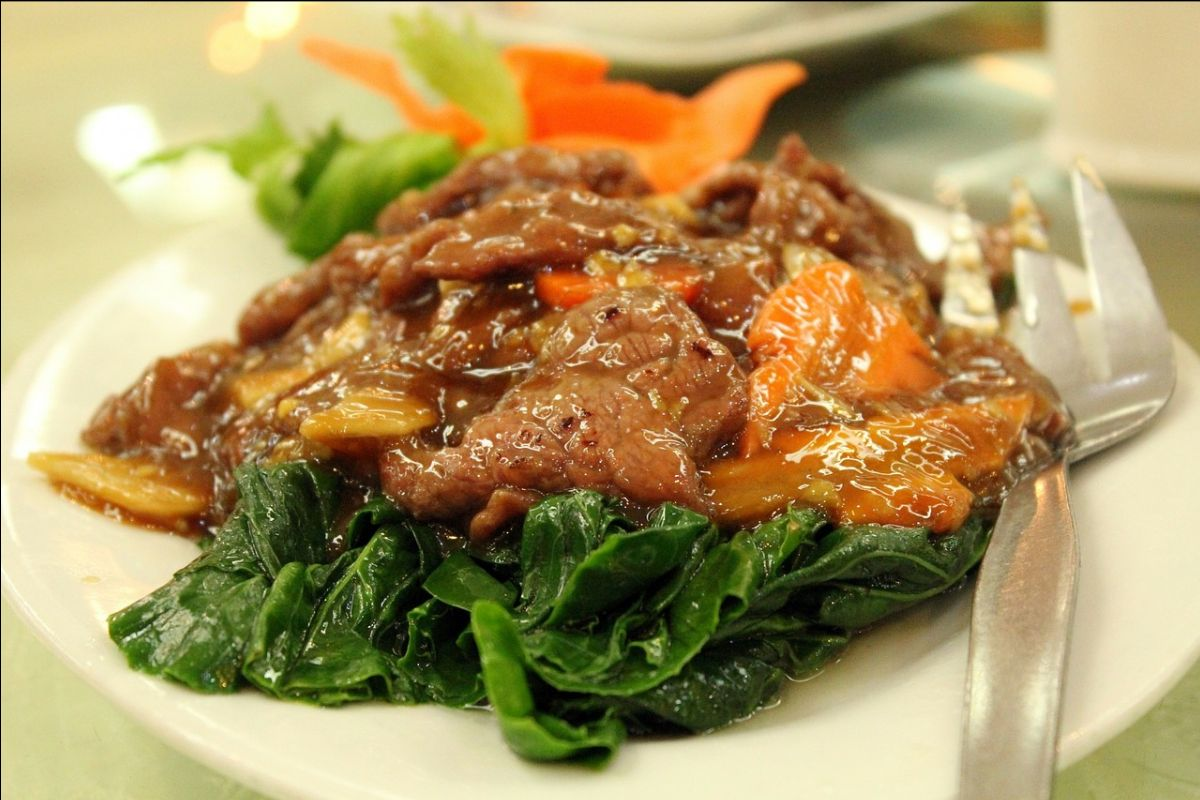 Irish Beef Stew with Carrots and Spinach