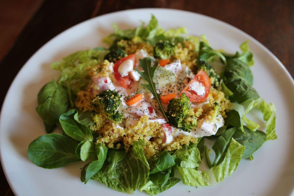 Sun Dried Tomato, Spinach, and Quinoa Salad